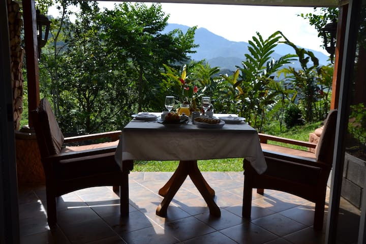 Deluxe room with garden at Portal de la Montaña