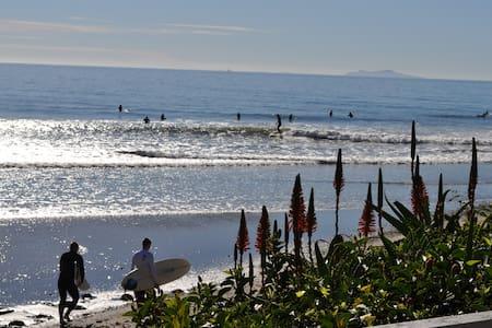 $475 MARCH Special - Bordeaux's Beach House - Carpinteria - Hus