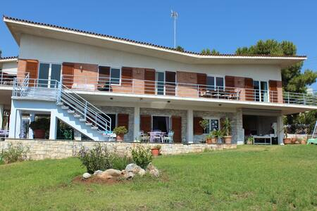 Rooms 2-4 pers Rafina near Athens!