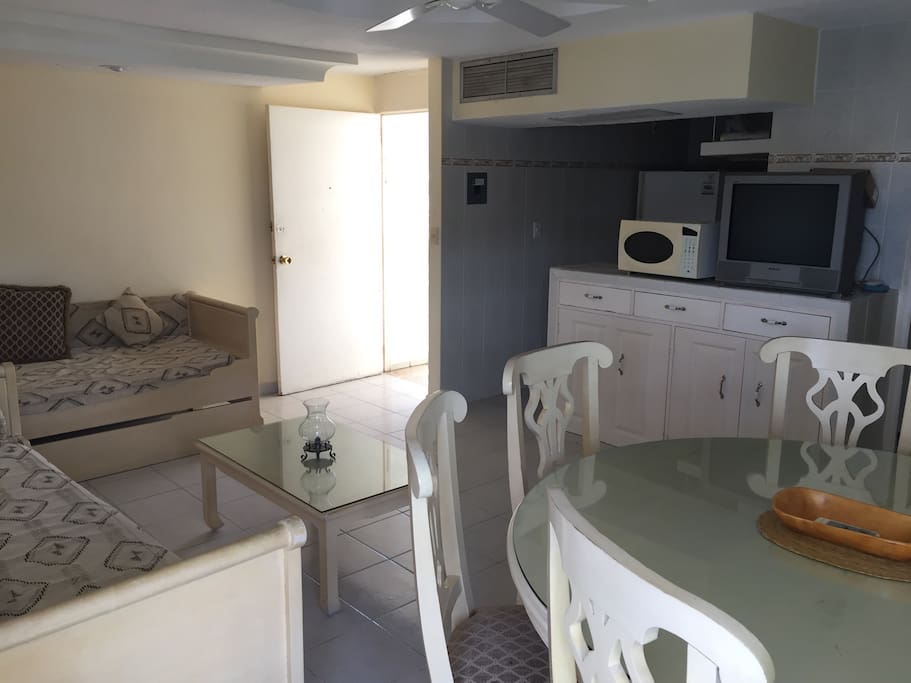 Kitchen with all services