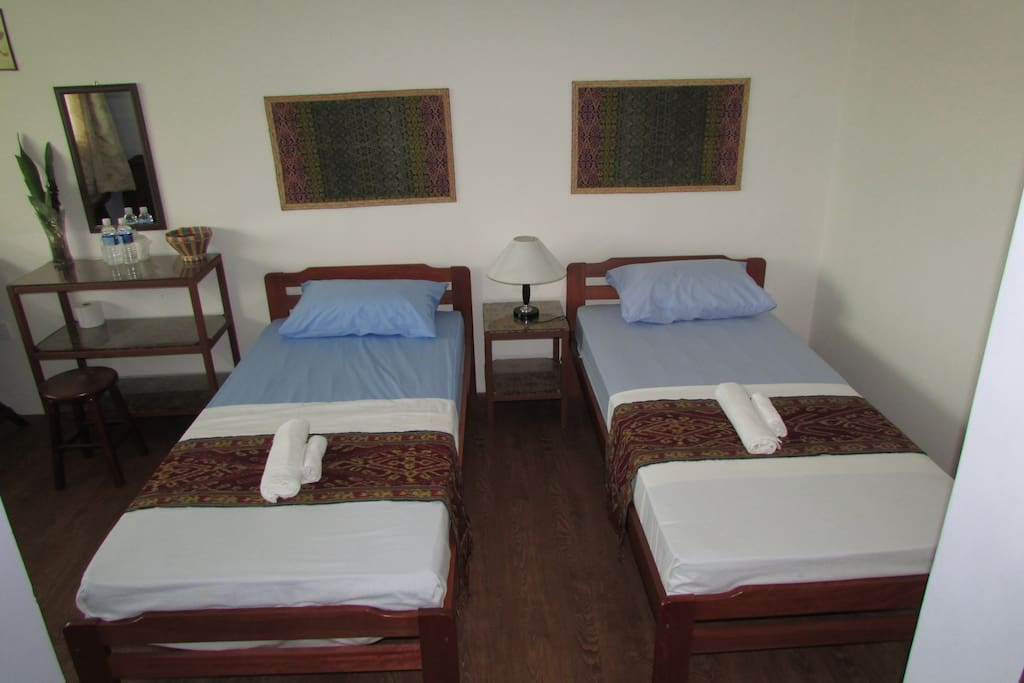 Twin room chambres d 39 h tes louer kota kinabalu sabah malaisie - Chambre d hote ruoms ...
