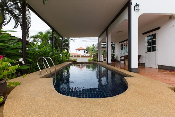 KV Pool Villa, Ground floor private apartment !