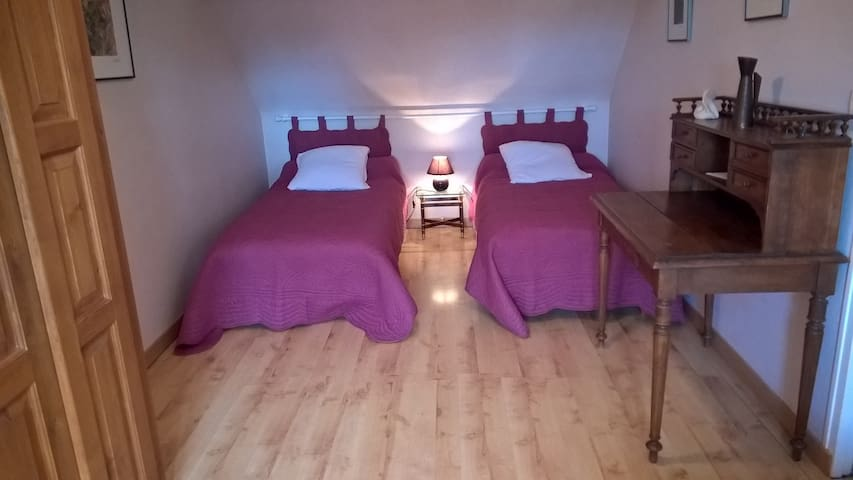 Chambre Parme - Ervauville - Bed & Breakfast