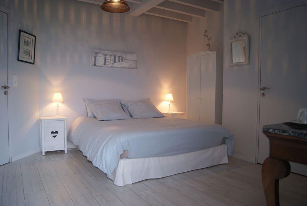 Vue exceptionnelle sur mer chambres d 39 h tes louer - Chambre d hote beaulieu sur mer ...