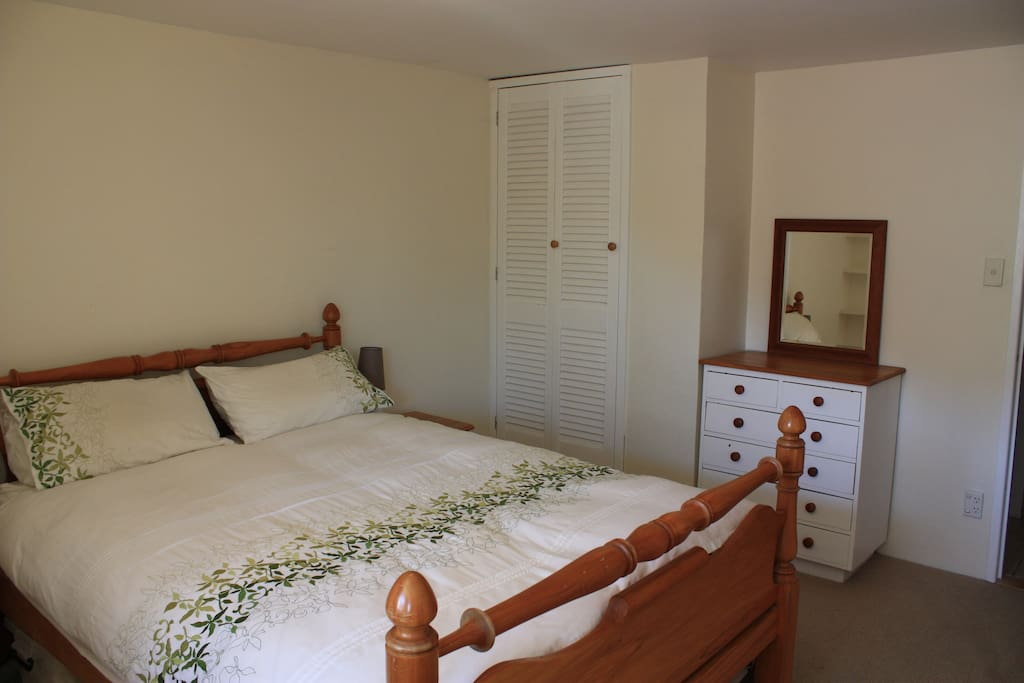 havelock chat rooms Island vinnies tropical beach cabana:  there is always someone to chat with and  if you prefer airconditioned rooms with exotic services and .