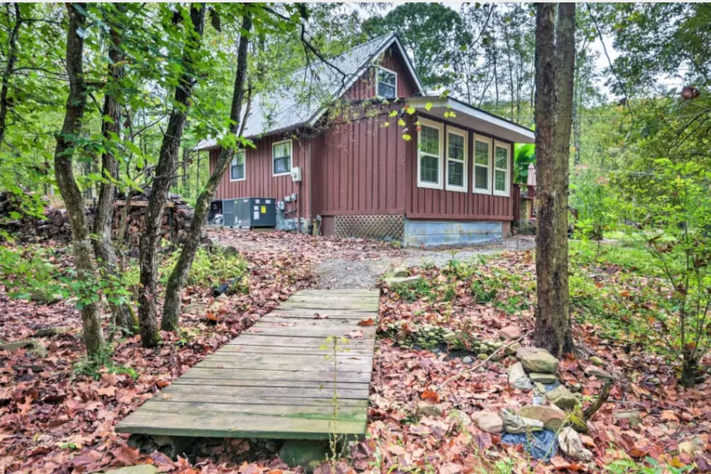 5 Acres of East TN Mountain Living