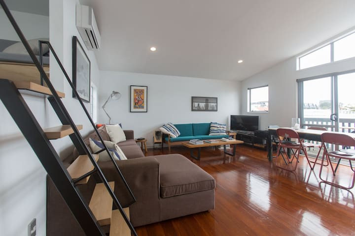 Stylish 3 bed Ponsonby apartment