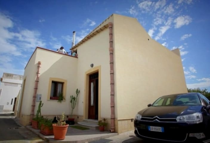 Stay along the salt-flat of Trapani - Province of Trapani - House
