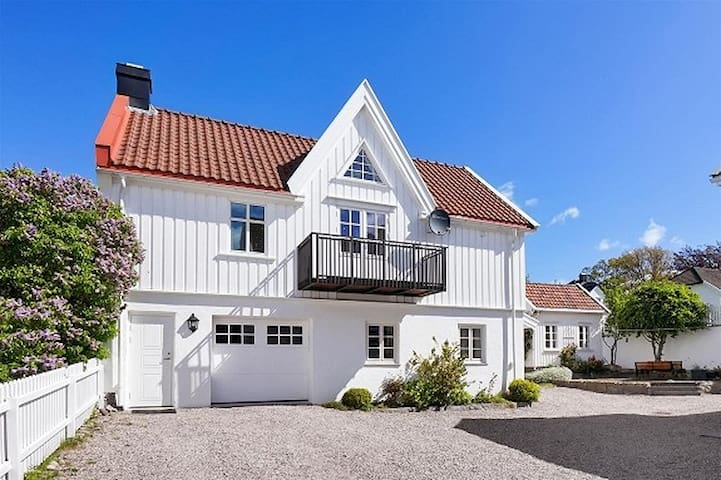 Villa Nanset central Larvik - Larvik - Willa