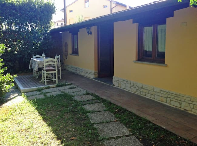 Holiday Home (Private Parking) - Lucca - House