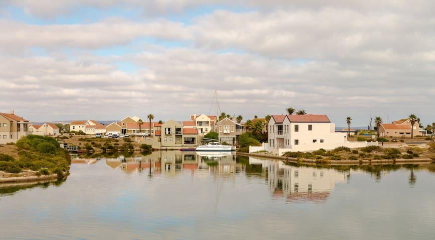 Island living at its best - Velddrif - House