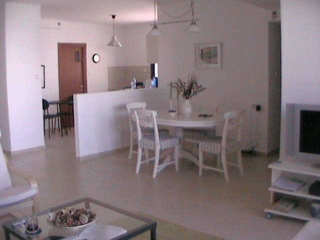 Appart. calme  3 ch., 2SDB+ parking - Netanya - Apartment