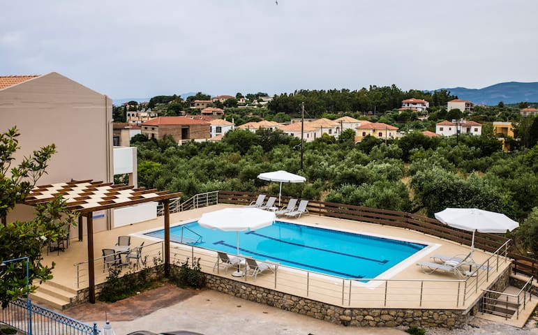 MANIS ROSE APPARTMENTS HOTEL 3* - Stoupa - Apartment