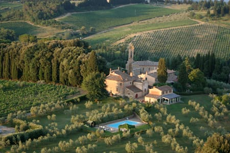 VILLA ALTA + SWIMMING POOL ON TOP OF THE WORLD! - Barberino Val D'elsa