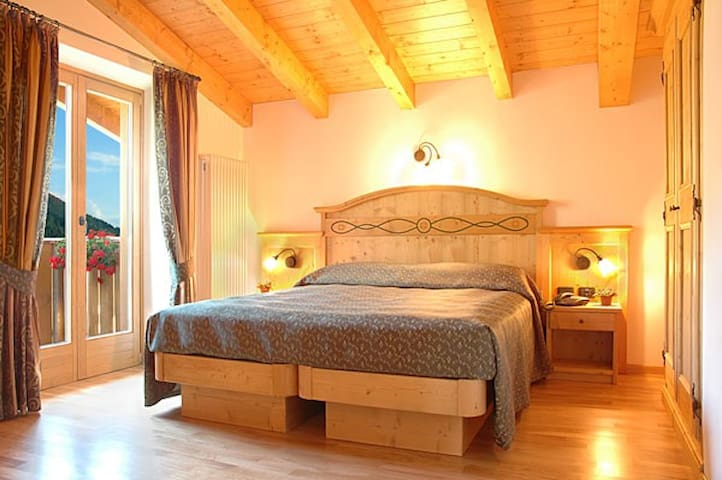 Double with bath near Campiglio - Province of Trento - Bed & Breakfast