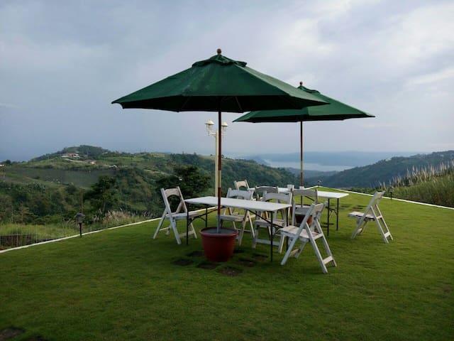 Cleeve Hills Tagaytay Room 3