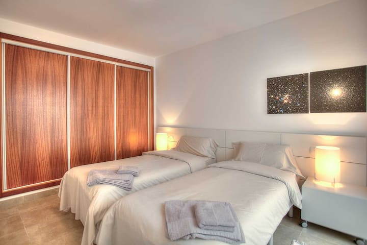 Quiet Twin Room in Luxury House - Ibiza - House