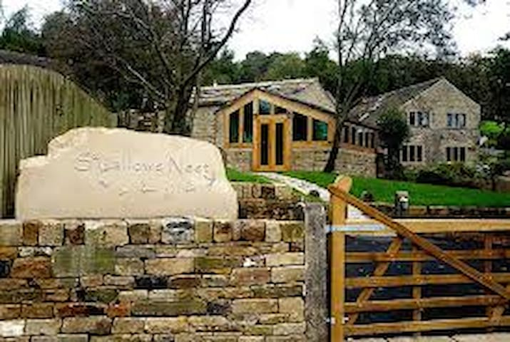 Swallows Nest holiday cottage. - Slaithwaite