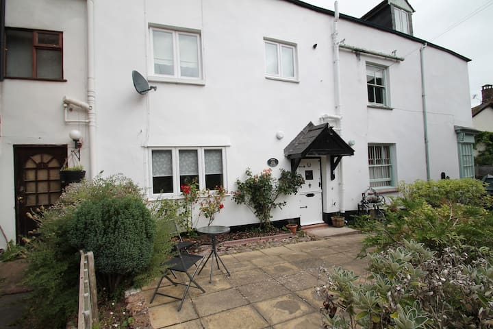 Holiday cottage in the heart of Dunster, sleeps 4 - Dunster - Rumah