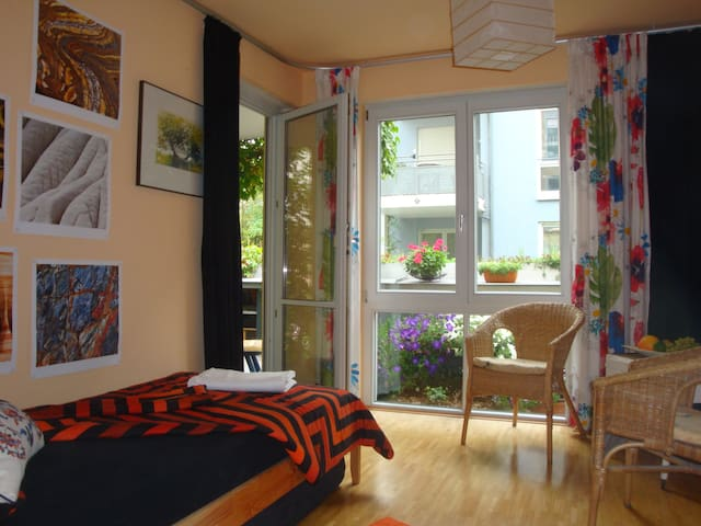 Cosy room, 2 comfortable single beds in MunichWest - Monaco - Appartamento