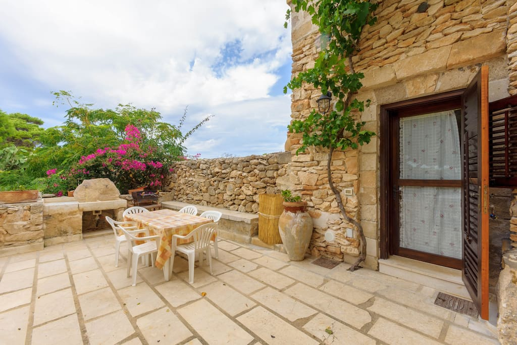 Appartamento con giardino la pinetina di favignana - Affitto casa con giardino ...