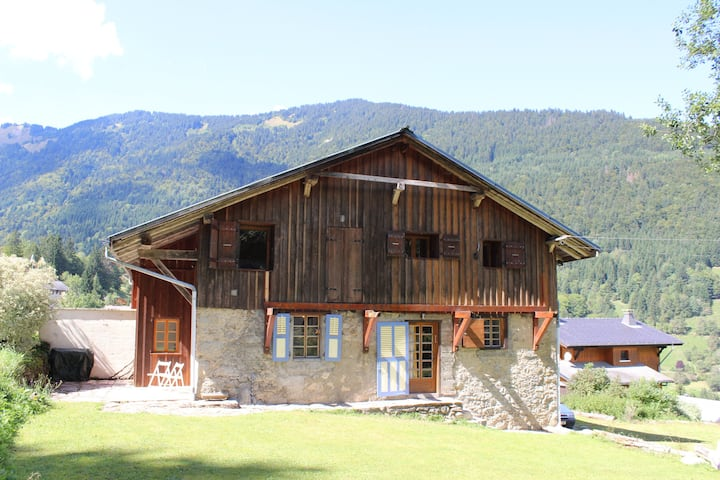 Chalet Enzo - 3Bed / 2Bath with Big Private Garden