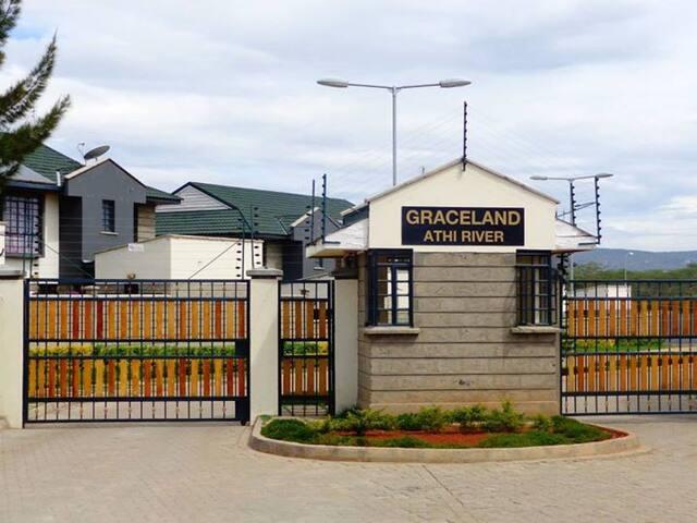 Graceland Maisonette 15min airport - Nairobi - Casa