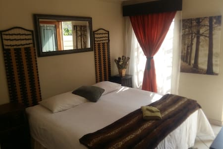 Near OR Thambo@In2 Accommodation