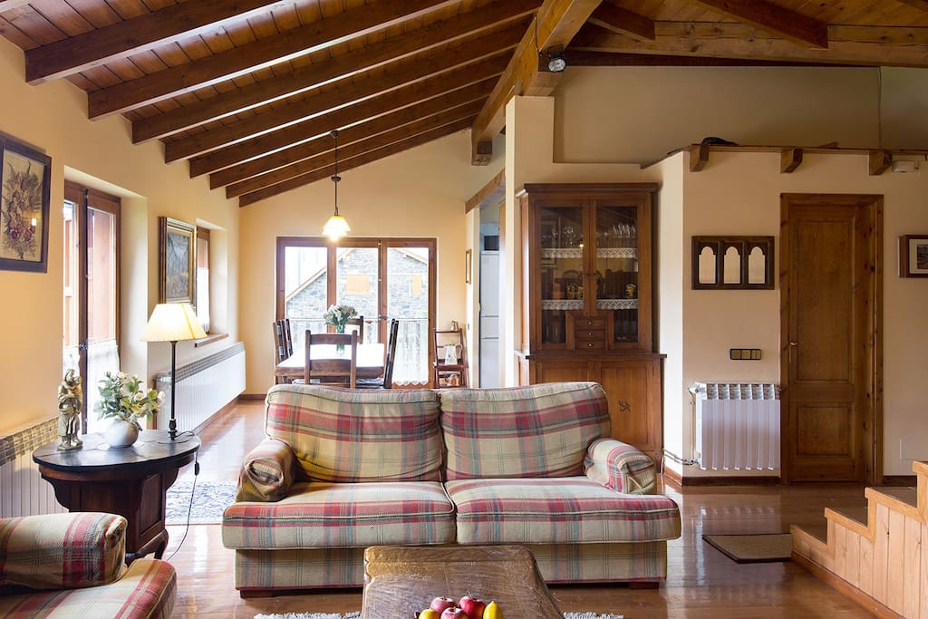 Casa con vistas espectaculares casas en alquiler en queixans catalu a espa a - Casas espectaculares en espana ...