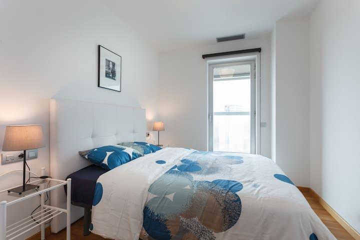 New Apartment. Fira. Pl Europa.- MWC, Granvia Fira