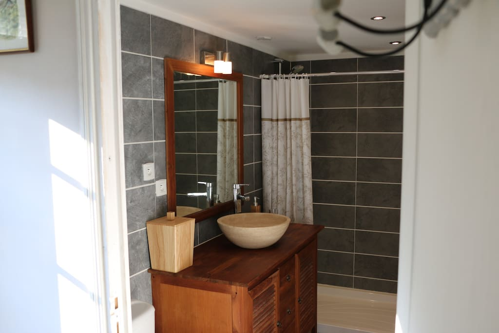Brand new and modern bathrooms.