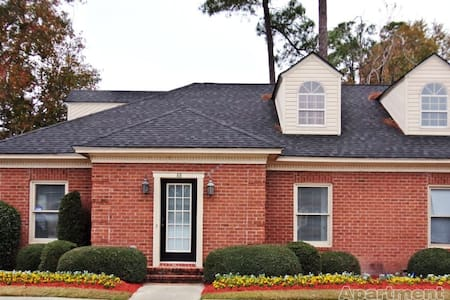 Warm Home with Space to Relax - Statesboro