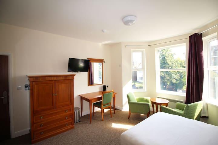 Flexistay Addiscombe ApartHotel - Croydon - Bed & Breakfast