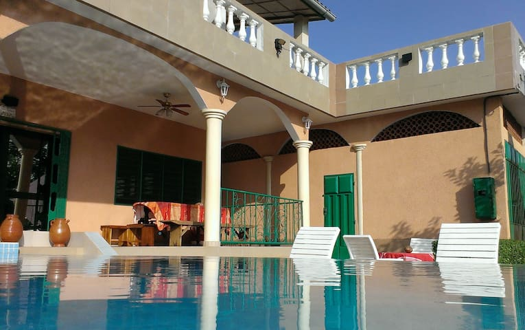 Calavi de Rêve - villa avec piscine - Abomey Calavi