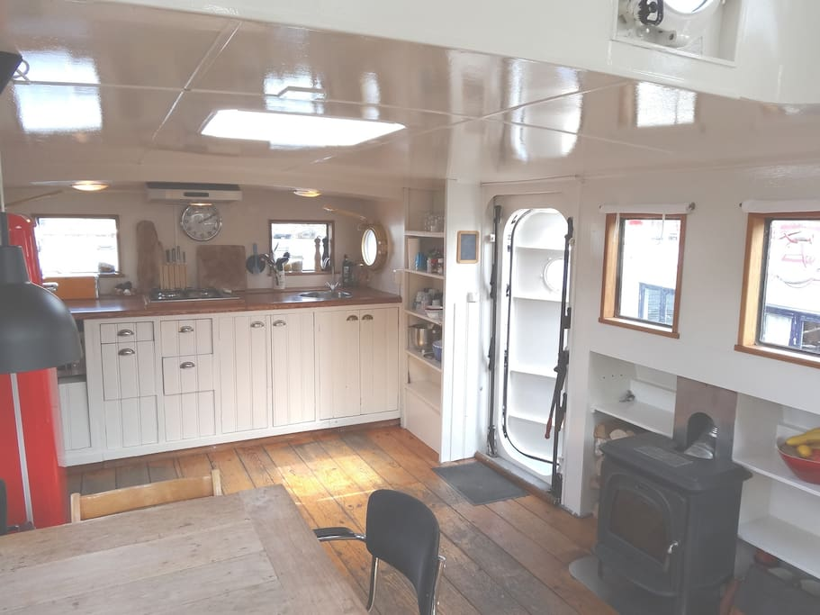 A spacious beautiful houseboat barche in affitto a for Camere affitto amsterdam