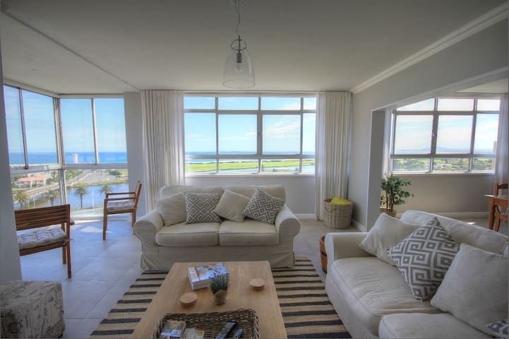 Large Apartment Stunning Ocean View - Cape Town - Daire