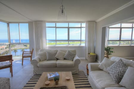 Large Apartment Stunning Ocean View - Cape Town