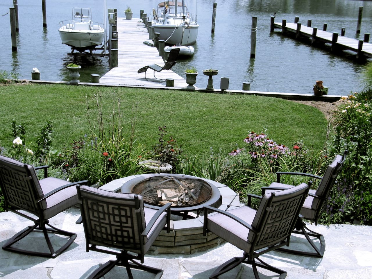 Gas fire pit keeps you warm when enjoying the view on a cooler night.