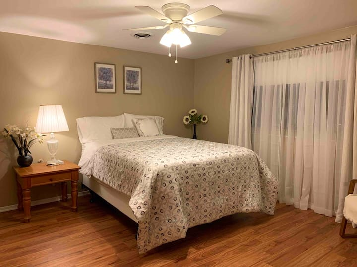Private master suite, large space, 1-2 persons