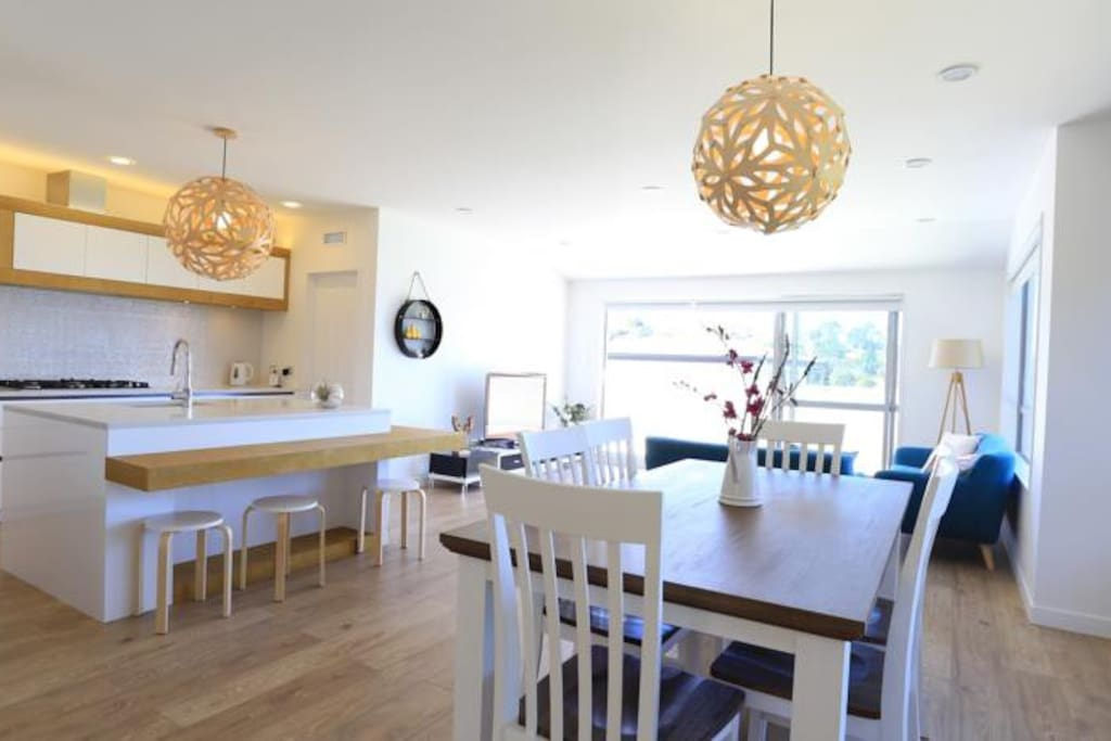 kitchen+dining+family