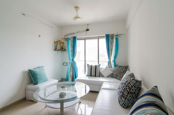 Shared room for FEMALE / MALE ONLY - Mumbai - Bed & Breakfast