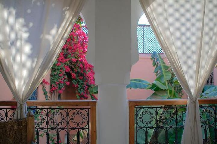 "Riad Ineslisa :  ""Welcome at home"" - Marrakech - Bed & Breakfast"