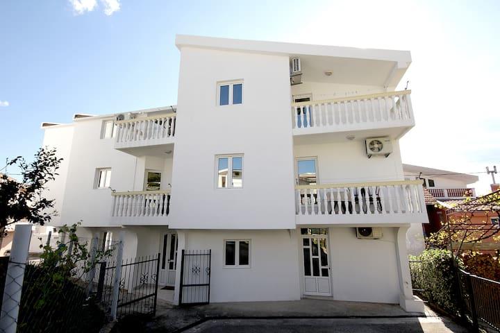 Villa Glavanovic  (4 bedded apartment) - Šušanj