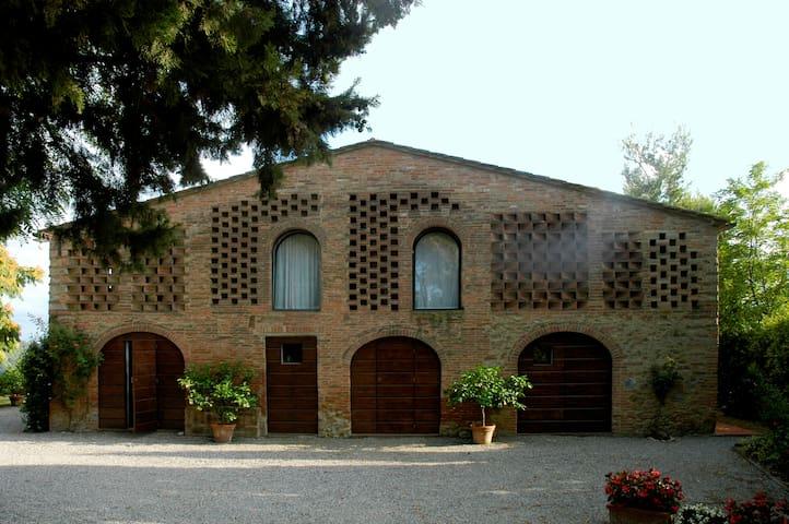 Salcio Huge Rustic Duplex Apartament in old Barn