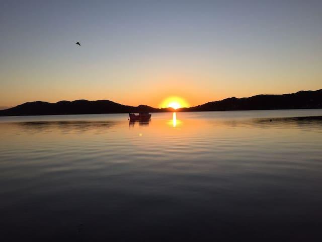 Quarto na Lagoa da Conceição - Florianópolis - Bed & Breakfast