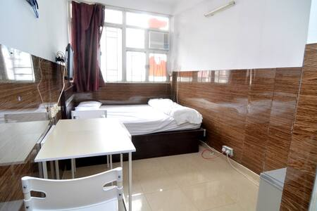 Bright room for 2 next to MTR,13F2 - 香港 - 公寓