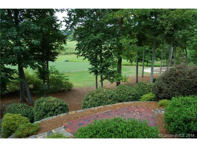 Beautiful home on golf course! - Huntersville - Rumah
