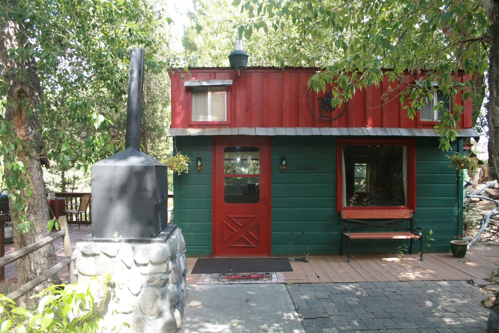 Creekside Cabin Near Yellowstone Cabins For Rent In Cody