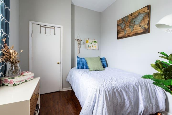 Bedroom (Full)