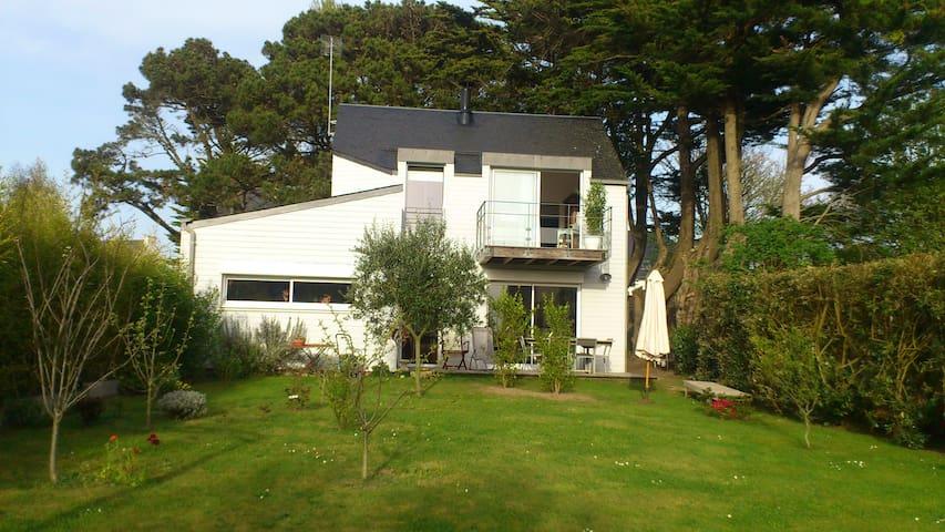Belle maison d'architecte avec vue - Étel - Casa